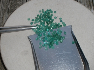 1/2ct emerald round gem parcel 2.6-2.8mm each