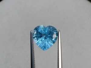 Swiss blue topaz heart laser cut gem 10mm