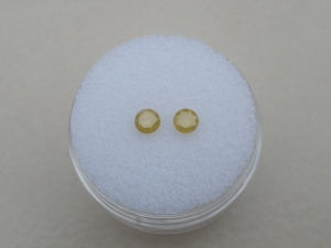Yellow diamond round pair 3.6mm each