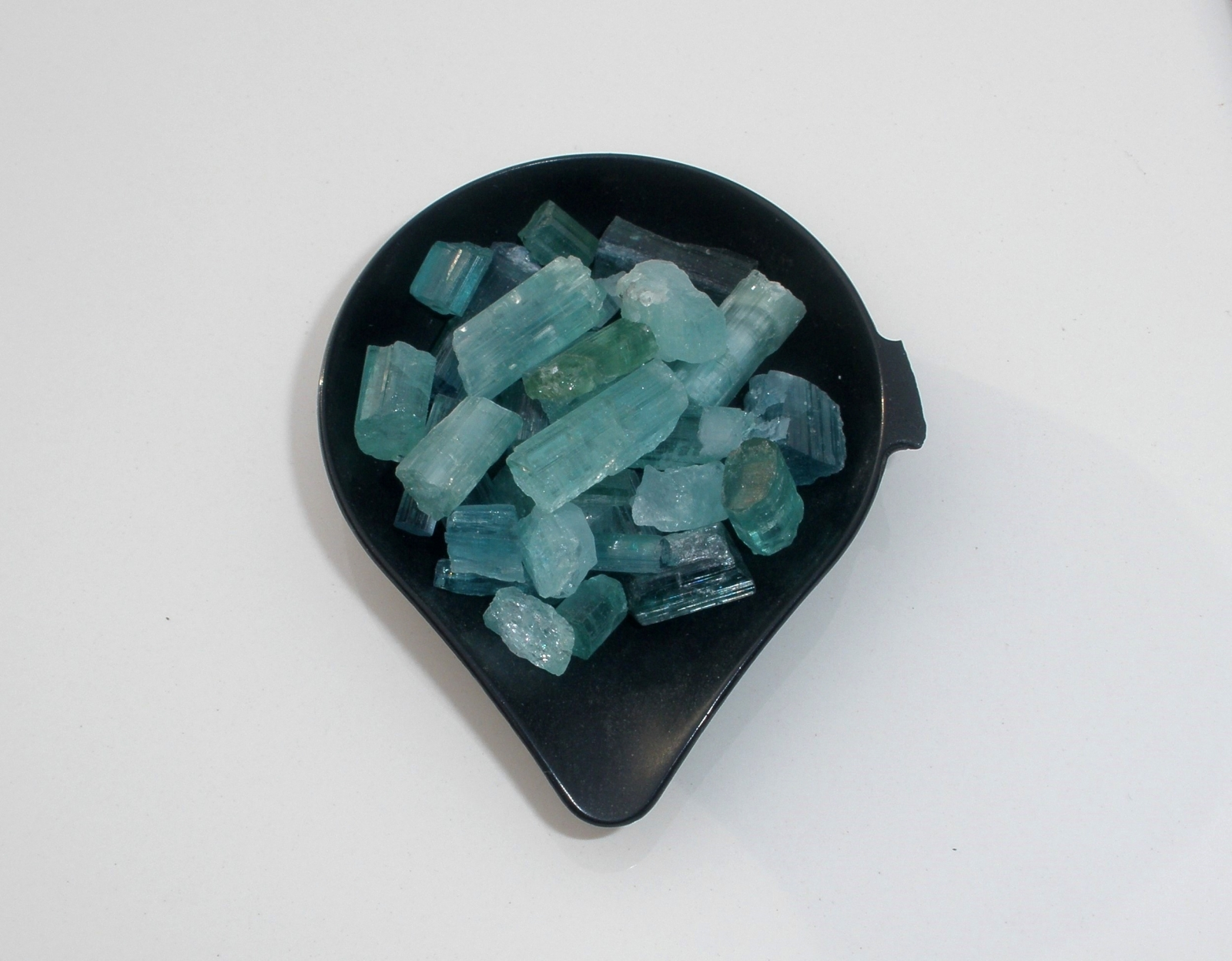 guide teal gemstone common to apatite
