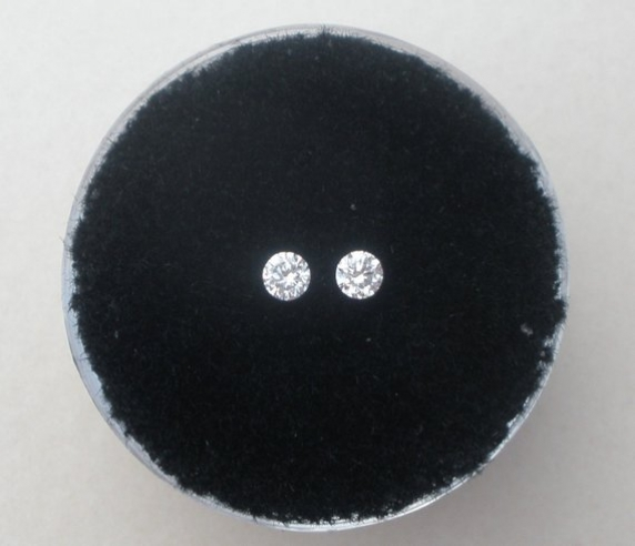 White diamond loose round faceted pair 2.5mm each