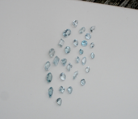 Aquamarine gem mix parcel over 5 carats