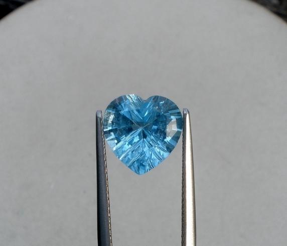 Swiss blue topaz heart laser cut gem 10mm