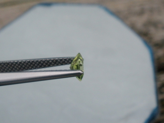 Peridot square loose gem 4mm