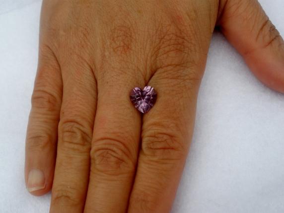 Amethyst heart gem 10mm