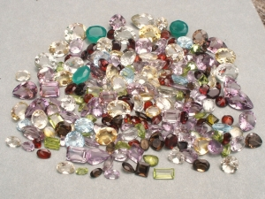 Over 500 Carats of Loose Natural Gemstone Mix