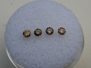 4 champagne diamond loose rounds 2.5mm each