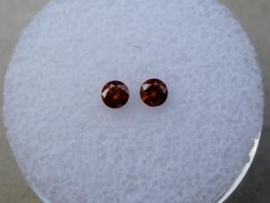 2 Cognac Red round diamonds 3mm each