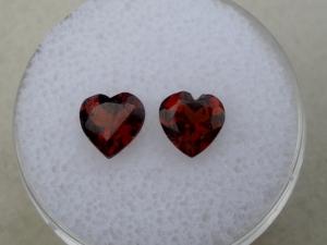 Garnet heart gem pair 6mm