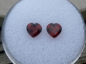 Garnet heart gem pair 5mm