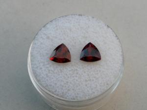 Garnet trillion gem pair 6mm each